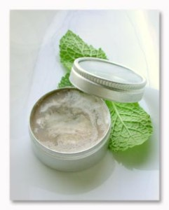 mint_coconut_lip_balm